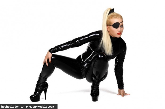 Celine (Model ,Weiblich ,PLZ 478) Fetisch fashion - Bild 10545 - SM-Models.COM