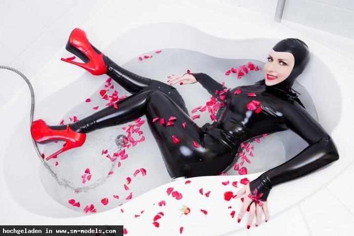 Domina_Miss_Leonie (Model ,Weiblich ,PLZ 22761) - Outfit: Isabeau Ouvert  Foto: Stefan Weeber / Latex / Rubber - Bild 10248 - SM-Models.COM