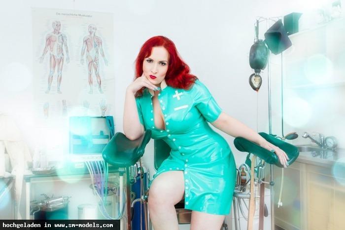 Domina_Miss_Leonie (Model ,Weiblich ,PLZ 22761) - Outfit: Isabeau Ouvert Foto: Stefan Weeber / Klinik - Bild 10265 - SM-Models.COM