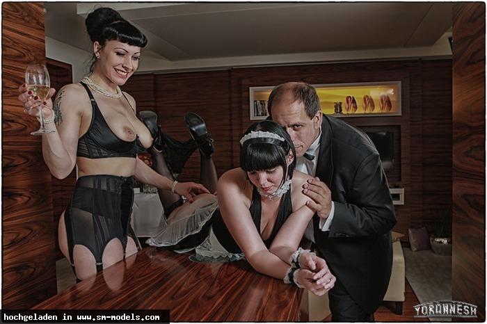 Yoran_Nesh (Fotograf ,Männlich ,PLZ 12587) - jetzt ist das Zimmermädchen dran... / Jahre sp - Bild 7103 - SM-Models.COM