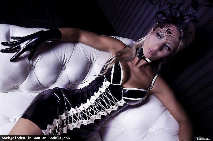 Fetishlady_Madleen (Studio ,Weiblich ,PLZ 09130) Fetishlady Madleen - Bild 21039 - SM-Models.COM