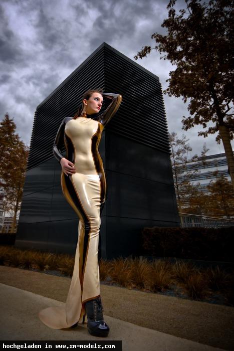 Casi (Hobby Fotograf ,Männlich ,PLZ 45884) - Lady Cassandra / Outdoor - Bild 17751 - SM-Models.COM