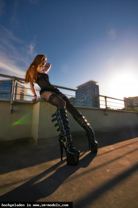 Casi (Hobby Fotograf ,Männlich ,PLZ 45884) - Leila Lunatic / Outdoor - Bild 17769 - SM-Models.COM