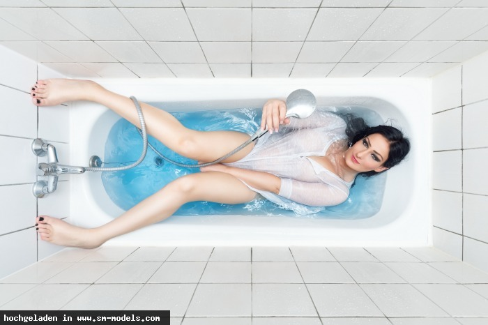 LadyAlexandra (Model ,Weiblich ,PLZ 404) - Badewanne / Dies und das... - Bild 22165 - SM-Models.COM