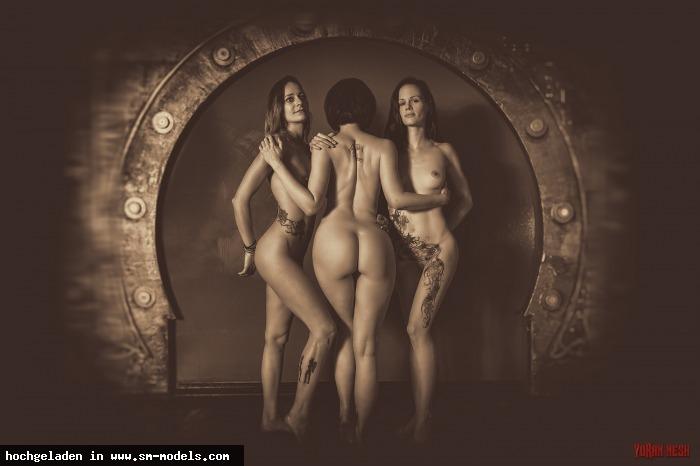 Yoran_Nesh (Fotograf ,Männlich ,PLZ 12587) - die drei Grazien / Öffentlich - Bild 19601 - SM-Models.COM