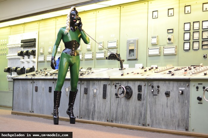 Latexboy (Model ,Männlich ,PLZ 069) - Shooting mit ArtePicture Catsuit: Fantastic Rubber Korsett: Fantastic Rubber Maske: Feitico / Shooting mit ArtePicture - Bild 9308 - SM-Models.COM