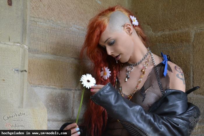 Oberer_Totpunkt (Hobby Fotograf ,Männlich ,PLZ 45899) - Like a Virgin / Shooting Katie - Bild 8839 - SM-Models.COM
